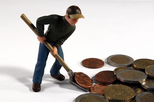 muž s lopatou na mince.jpg