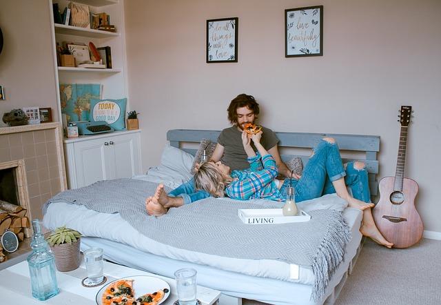 Lidé v posteli